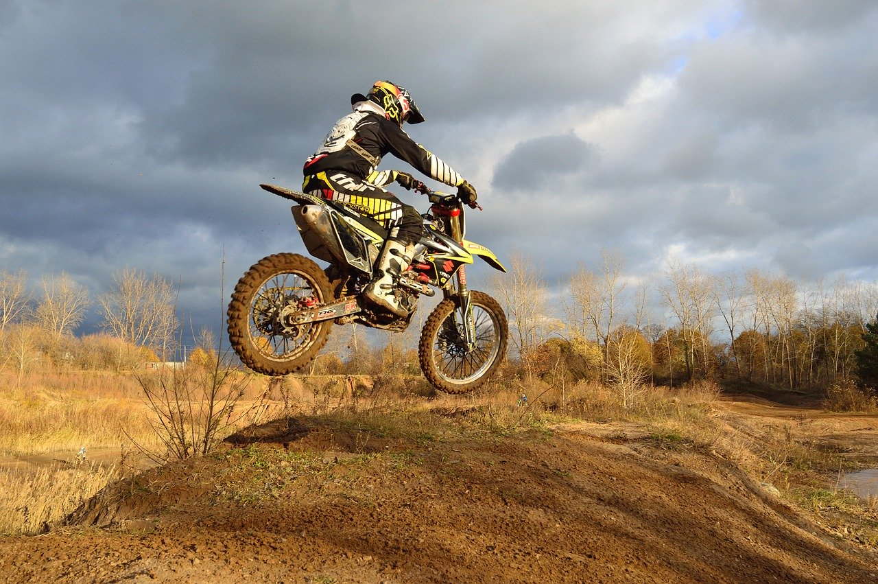 how to control dirt bike in air
