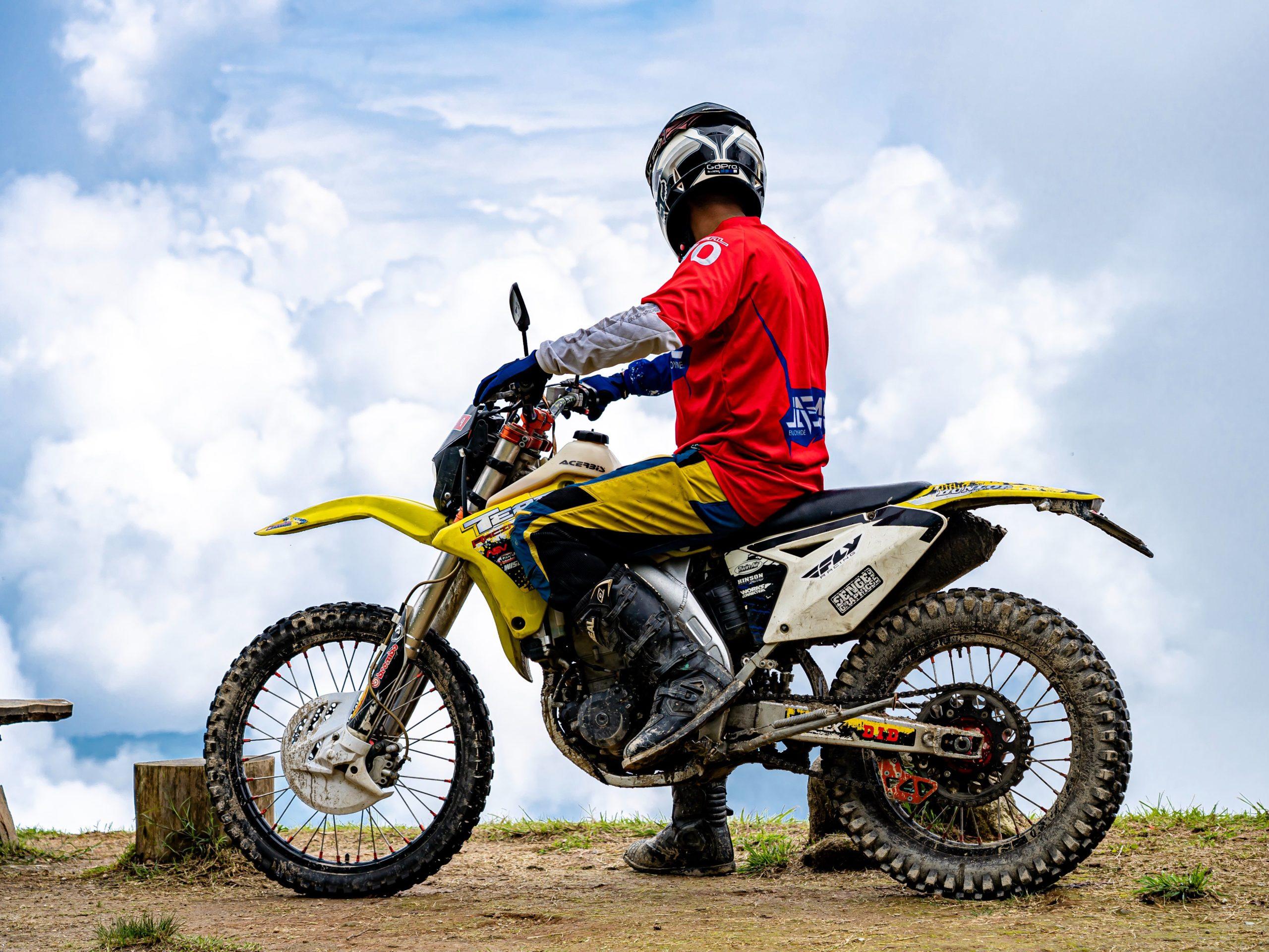 Best Knee Braces for Dirt Bike Riding