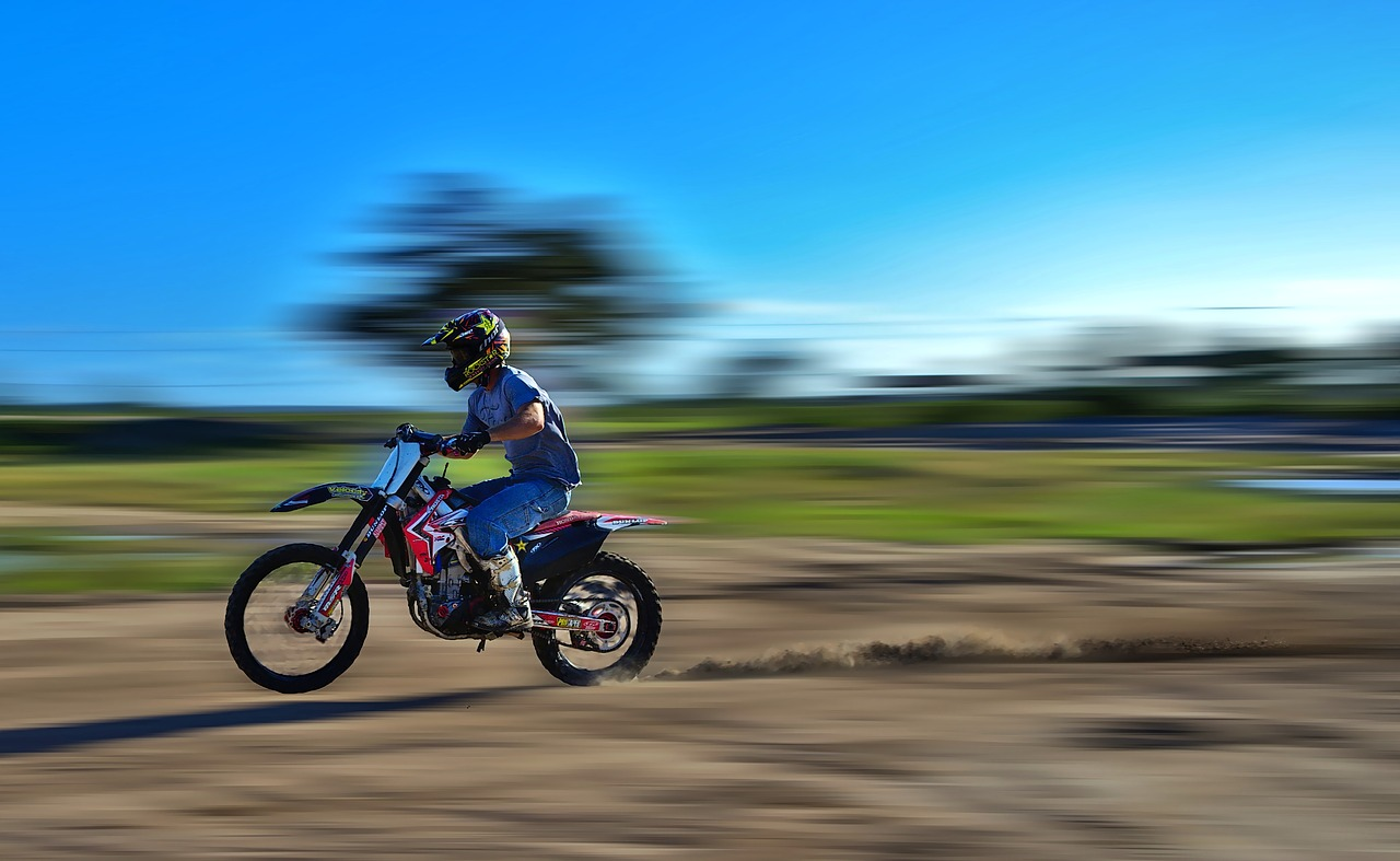 How fast does a 125cc dirt bike go
