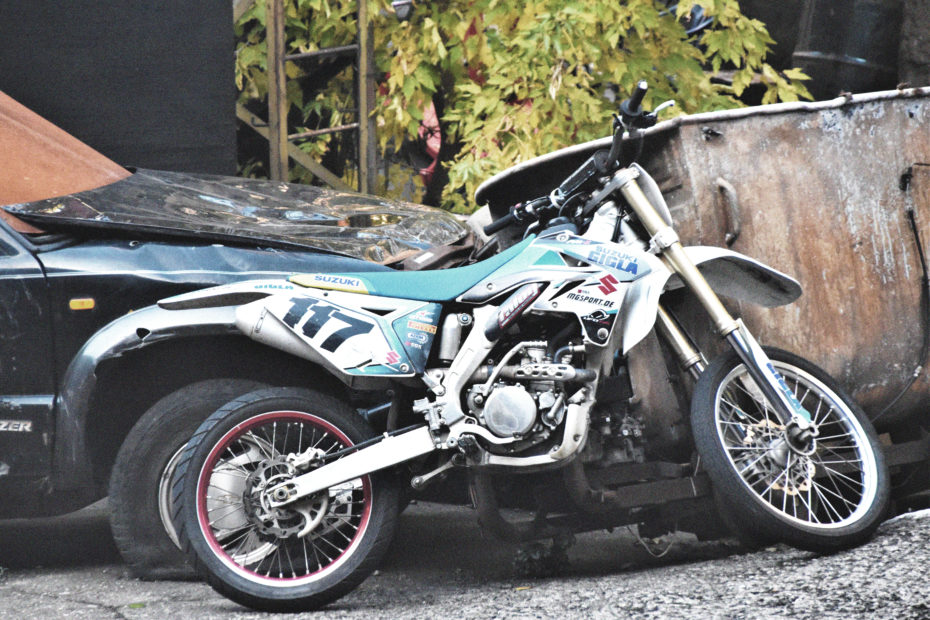 how much does it cost to maintain a dirt bike